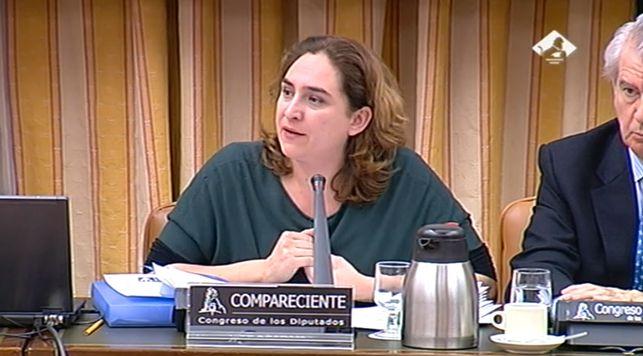 Colau-PAH-Comsion-Economia-Congreso_EDIIMA20130205_0599_13
